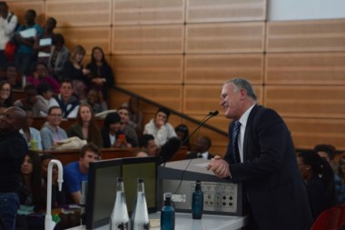 EXPERT ADVICE. Barry Roux speaks to law students at the University of the Witwatersrand yesterday, where he discussed the lack of efficacy of the SA criminal justice system. Picture: Valentina Nicol